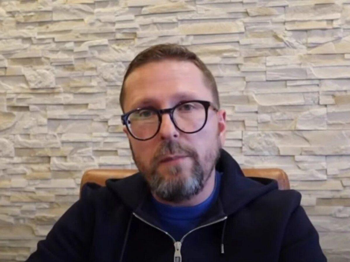 К сообщнику Шария за фото против Украины нагрянула СБУ в балаклавах – кремлевский блогер угрожает Зеленскому