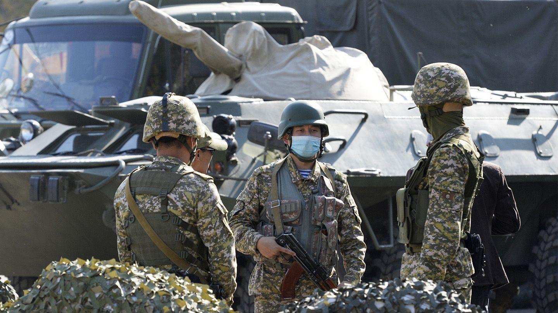 Обострение на границе Кыргызстана и Таджикистана: стороны стягивают технику