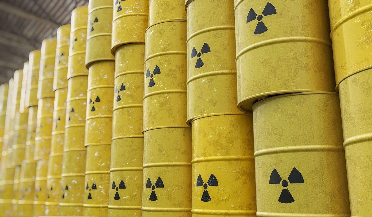 Франция отправила в РФ больше тысячи тонн радиоактивных отходов - россияне возмутились, узнав о составе груза