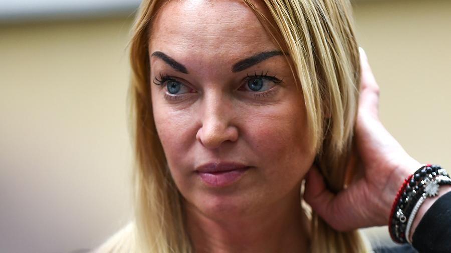 """""""Ариадна запретила мне об этом говорить"""", - Волочкова заявила, что ее единственной дочери грозит опасность"""