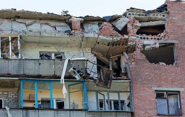 Донецк снова под обстрелом: видно зарево, бомбежка центра города продолжается