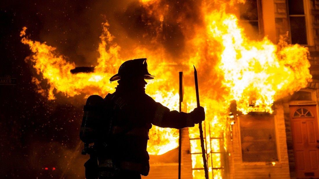 Киев, пожар, пламя, пожарные, ЧП, дым, эвакуация
