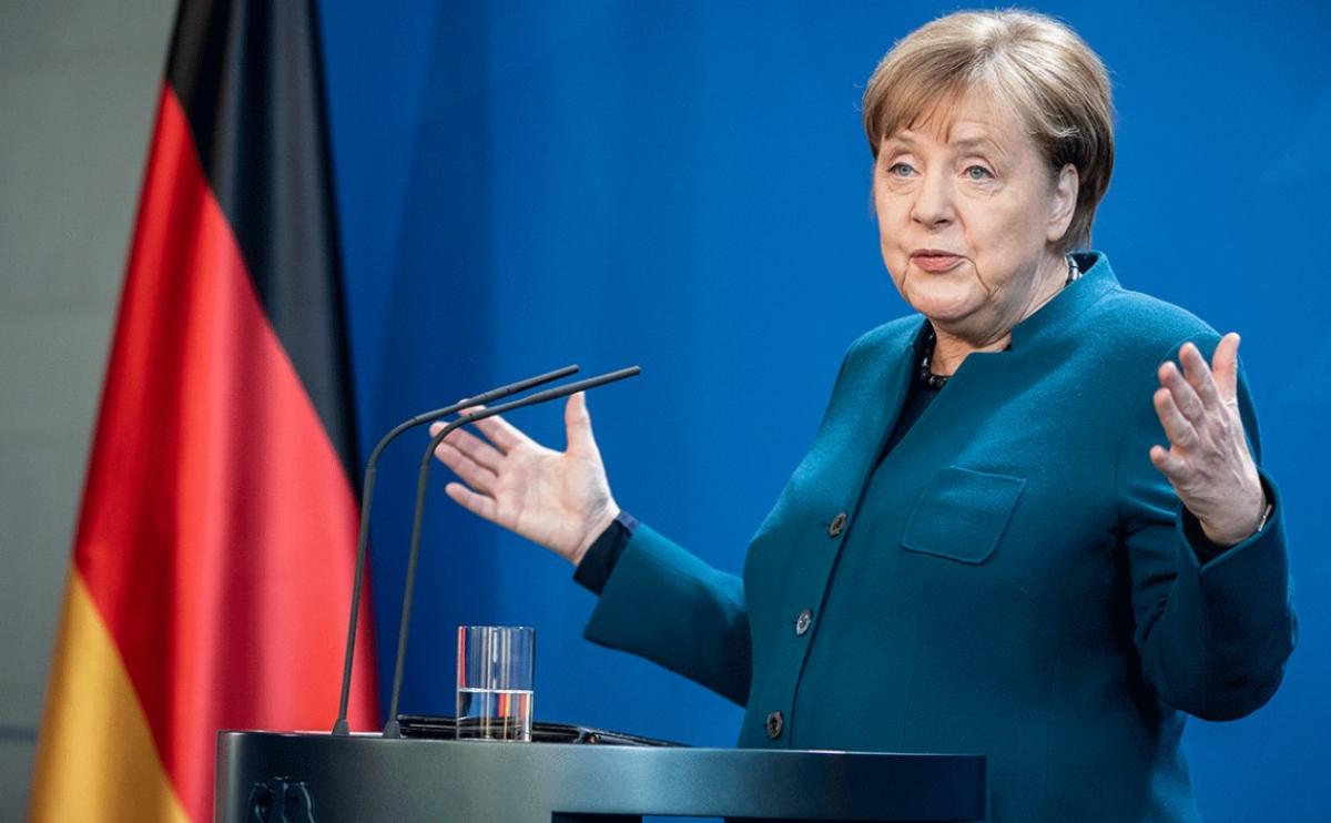 """Меркель выступила за """"Северный поток-2"""" на фоне новых санкции США"""