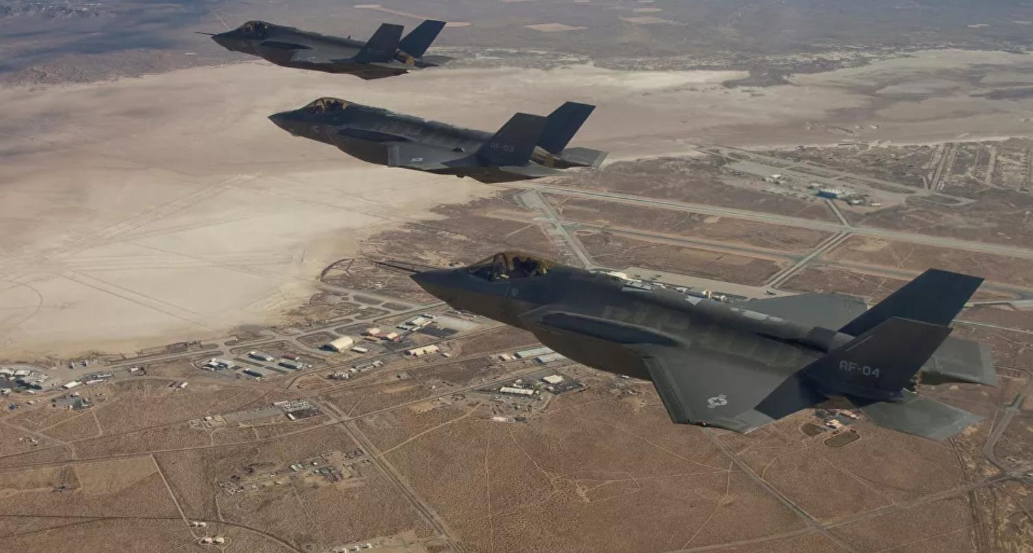 США испытали сброс новой термоядерной бомбы B61-12 с истребителя F-35A: видео публикуется впервые