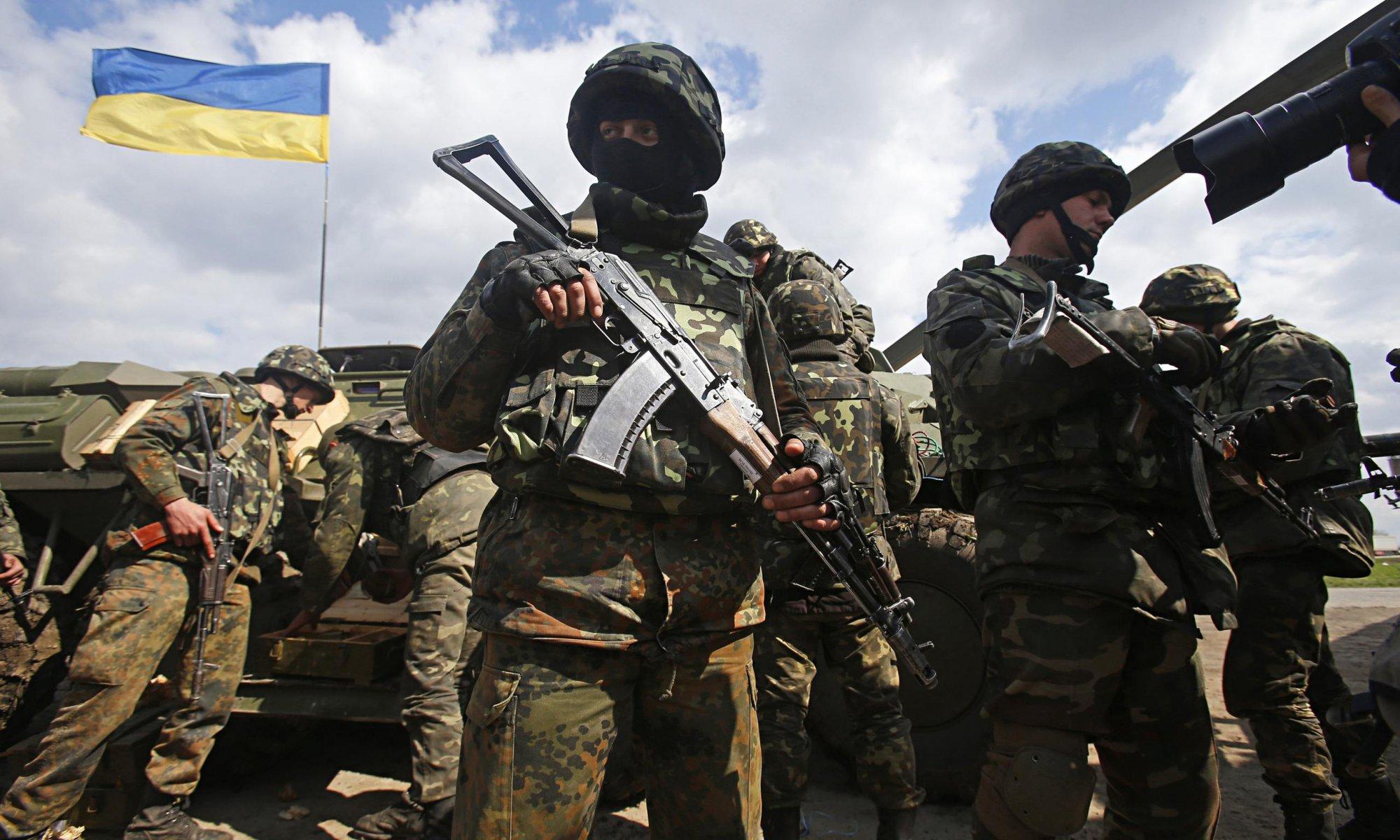 Запад должен начать активно снабжать и обучать украинскую армию! Военная помощь стране должна измеряться миллиардами - Карл Волох
