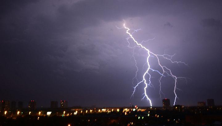 Волынь терпит большое природное бедствие: от удара молнии в регионе погибли 2 детей, некоторые населенные пункты остались без света