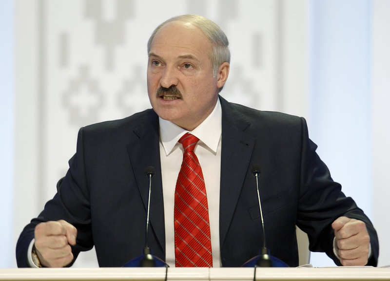 """Удар """"бацьки"""" Лукашенко по российскому игу: """"Эпоха российской нефти подошла к концу, мы переходим на иранскую, и первый танкер уже на подходе в Одессу"""""""