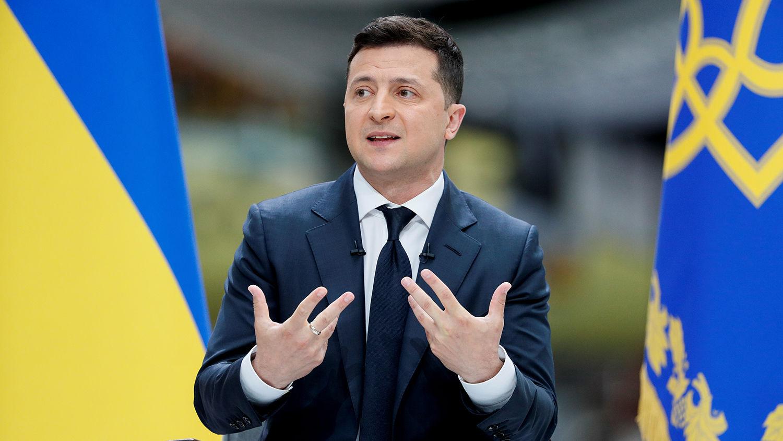 Зеленский поручил остановить авиасообщение с Беларусью – срочно созван Кабмин