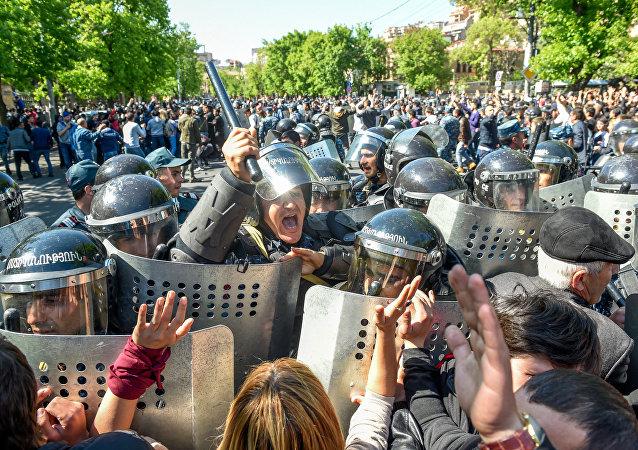 ереван, армения, саргсян, протесты, митинг, полиция, происшествия