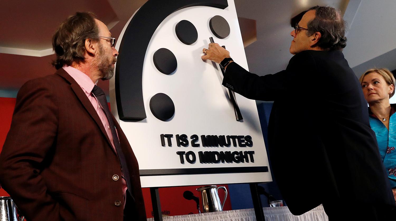 """""""Часы судного дня"""", Бюллетень, Ученные, Стрелка, Показатель, 100 секунд Полночь, Ядерное оружие, Климат, Информационная война"""