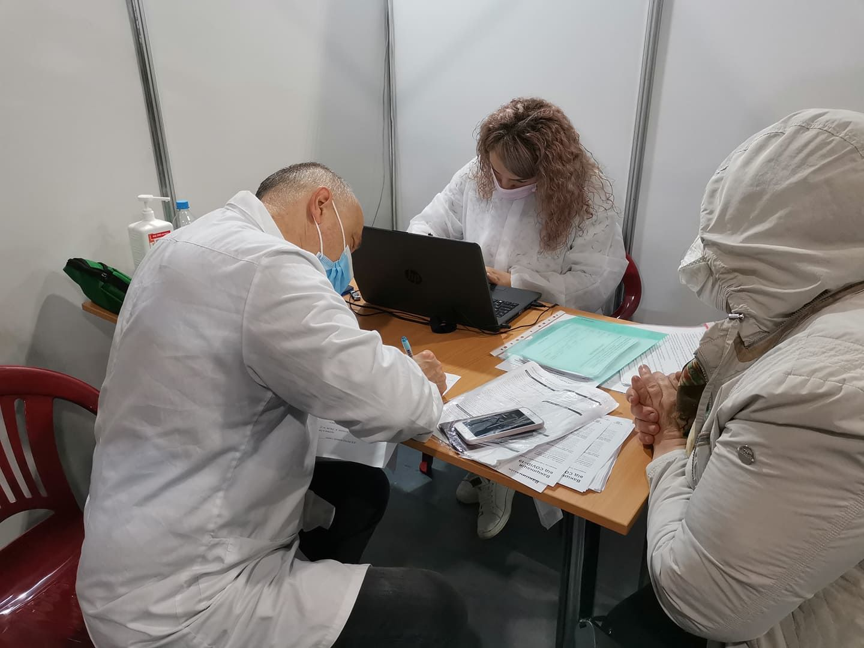 Центры вакцинации в Украине: в каких городах работают и кого будут прививать