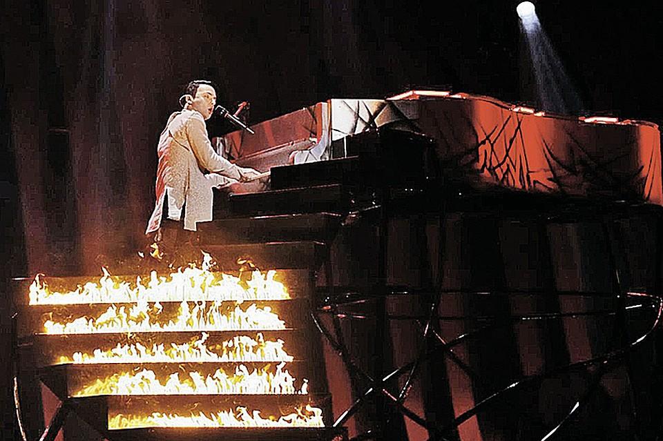 """Во время выступления MELOVIN на """"Евровидении"""" """"загорелась сцена"""" - опубликованы кадры первой репетиции"""