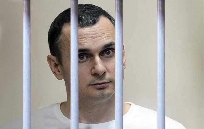 """""""Он никого не убивал"""", - мать Сенцова призвала Путина проявить милосердие и помиловать сына"""