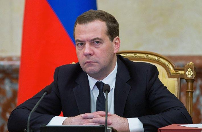 """Медведев в социальной сети назвал главу СБУ """"придурком"""""""