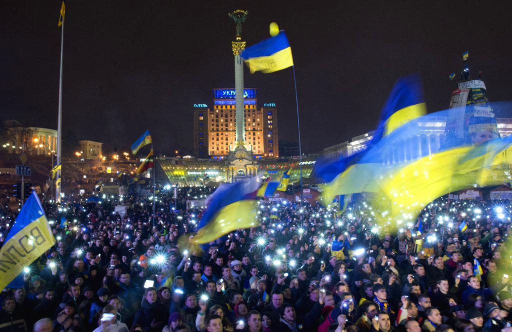 украина, киев, янукович, революция достоинства, небесная сотня, майдан независимости, почтение, память, герои, смотреть видео, кадры