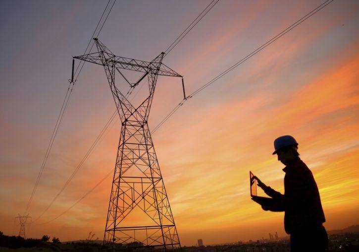 Почти в два раза: с 1 января в Украине дорожает электричество