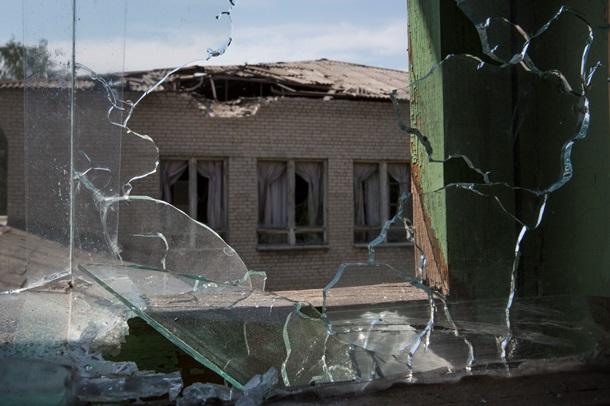 Поселок «Октябрьский» в Донецке после обстрела