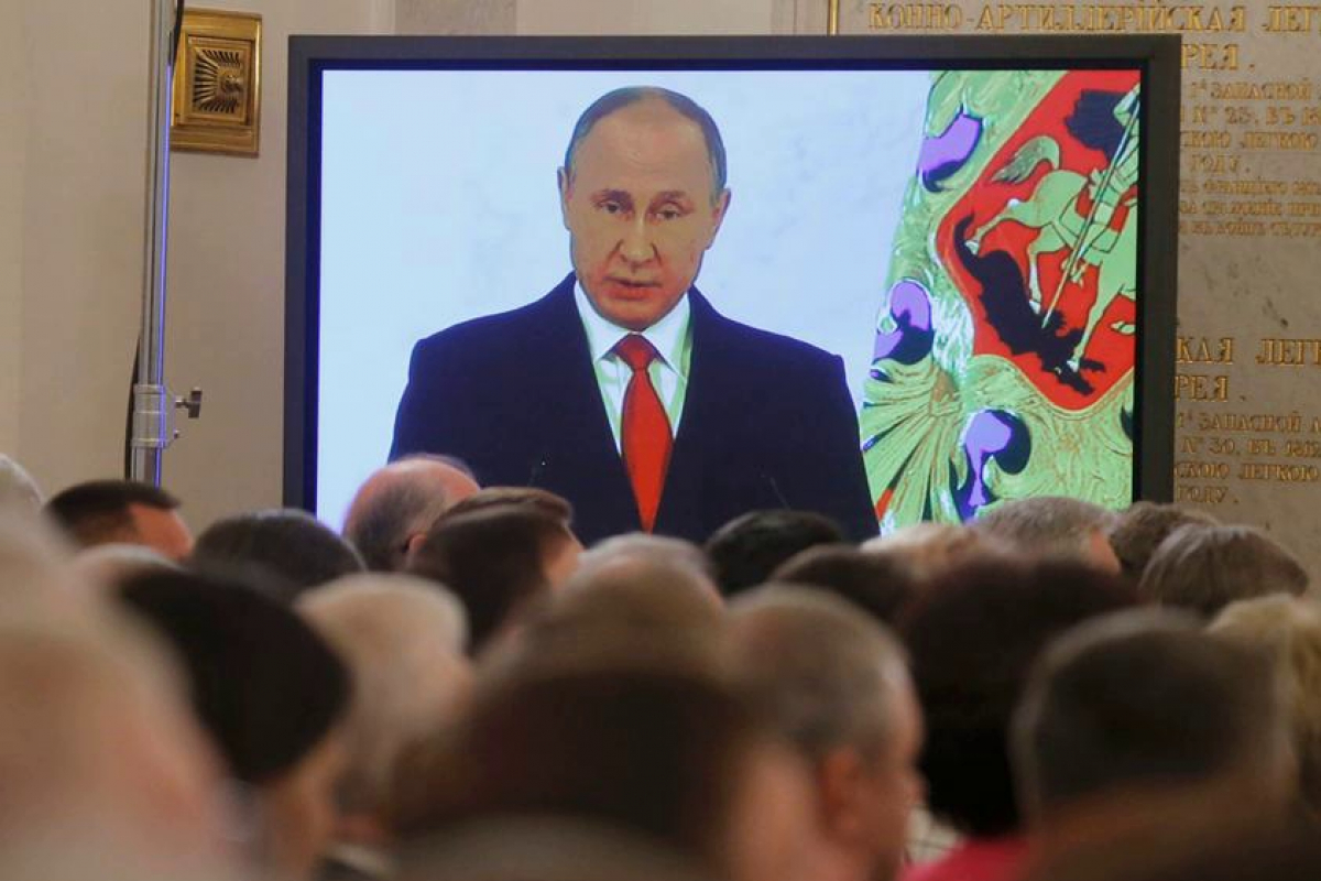 """Путин в разгар пандемии соберет журналистов в одном месте, а сам не придет - что известно о """"Прямой линии - 2020"""""""
