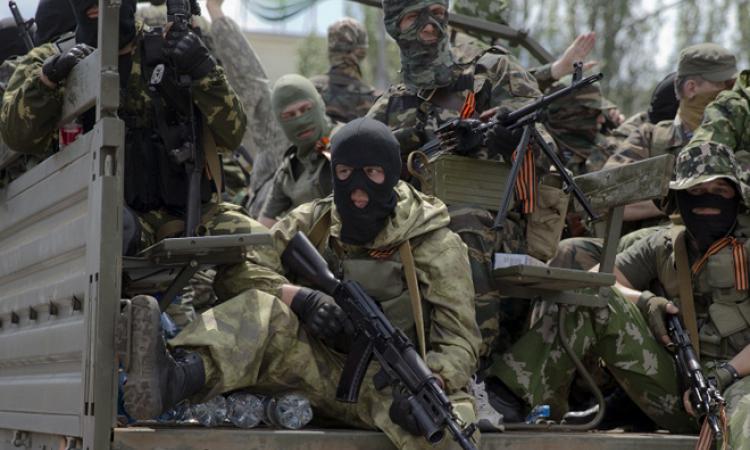 Штаб АТО: Колонна ополченцев с военной техникой отправилась в направлении Ровеньков и Антрацита