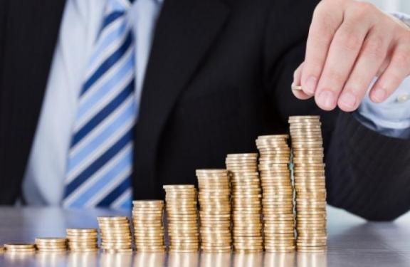 Очередной удар  по российской экономике: богачи спешно забирают вложение в производства РФ и вкладывают деньги в иностранную валюту