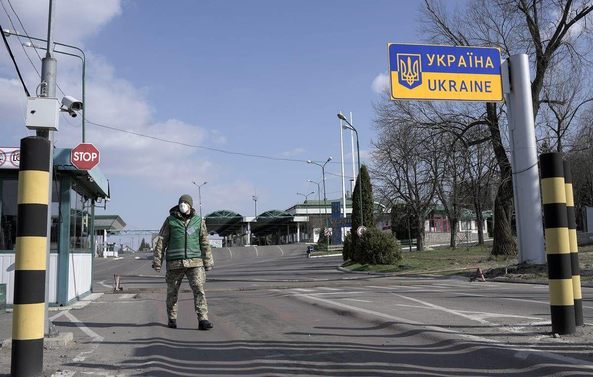 """В Украину не пускают граждан России, вакцинированных """"Спутником"""""""