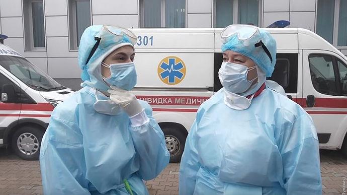 """Врач рассказал, когда в Украине ожидать третью волну пандемии: """"Больницы были готовы в декабре"""""""