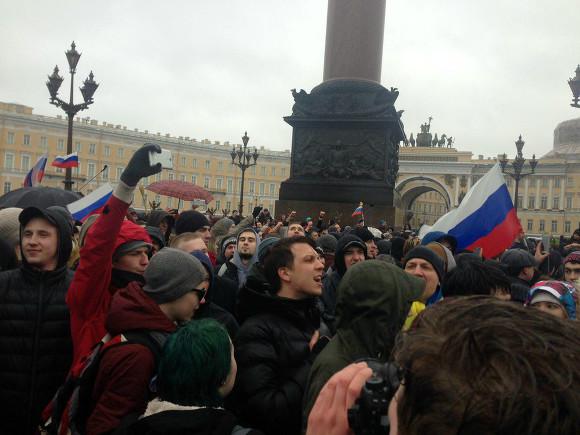 """""""Теперь, до самого скончания этого похабного путинизма, в день независимости люди будут выходить на центральные площади своих городов"""", - российский журналист прокомментировал аресты в России 12 июня"""