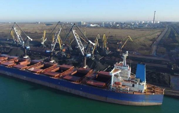 В Одесскую область прибыло судно, груженное африканским углем