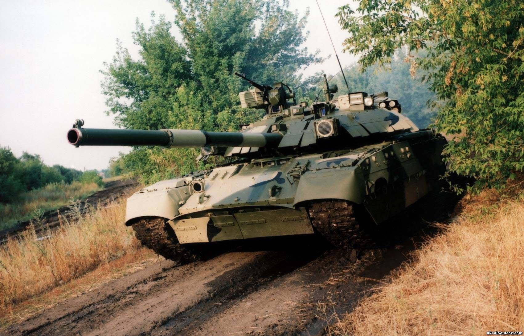 На учениях украинский танк прошел под водой, - видео очевидцев