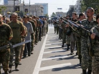 Освобождено еще 26 пленных, которые находились в Горловке и Донецке, - Порошенко