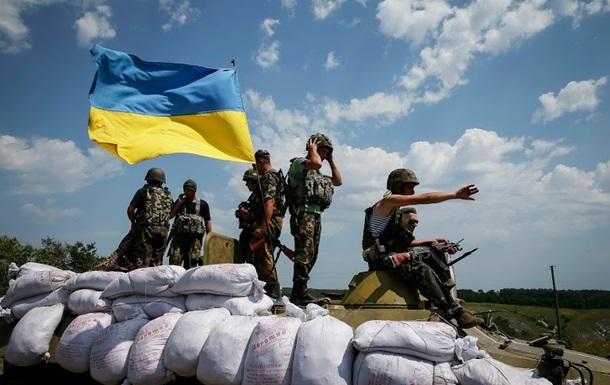 За прошедшие сутки террористы обстреляли украинские позиции 65 раз, больше всего в промзоне города Авдеевка – пресс-центр АТО