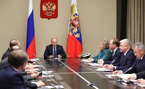 """Путин попросил Медведева посмотреть на """"реальную жизнь"""" россиян - безумная реакция Сети на видео"""