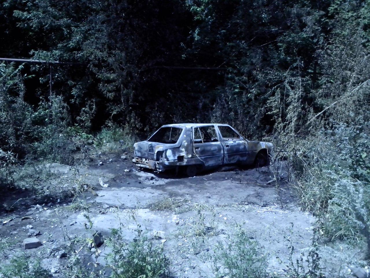 В Буденновском районе Донецка снаряд попал в автомобиль
