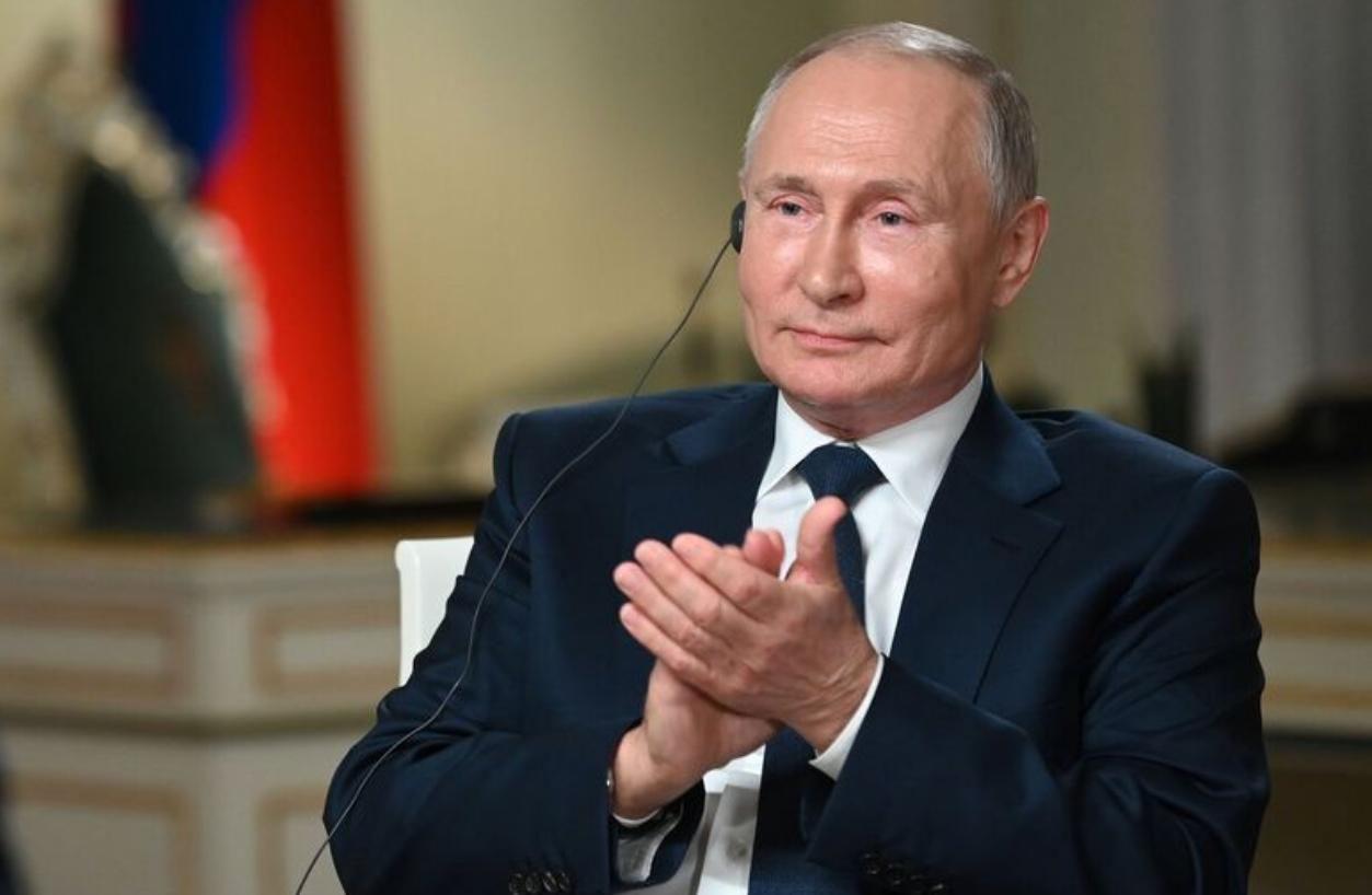 Поступок Путина в интервью NBC вызвал неловкость россиян в соцсетях: появилось видео