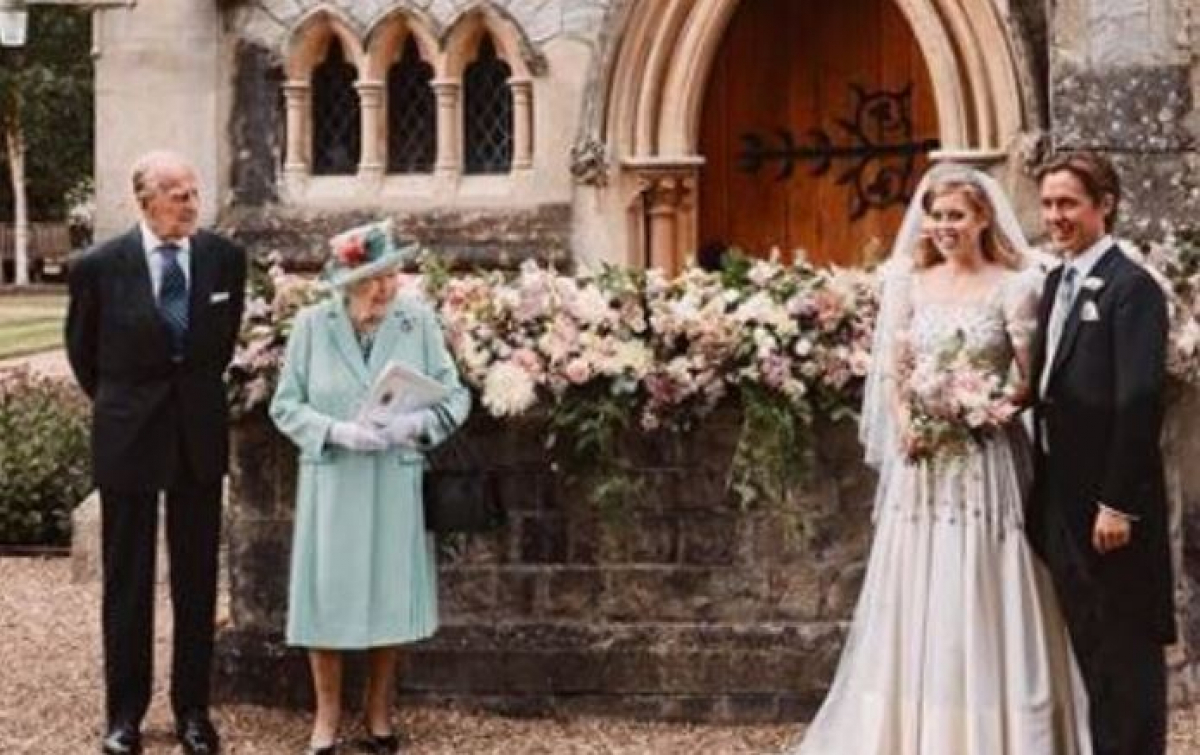 Королева Елизавета II передала внучке принцессе Беатрис самое ценное – наследники обзавидовались