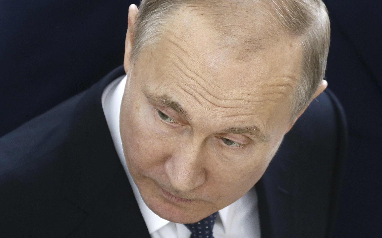 Фото Путина из Ярославля взорвало соцсети: Кремль попался на очень крупном проколе - кадры