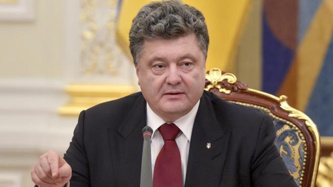 Петр Порошенко сегодня будет присутствовать на расширенном заседании Кабмина, - Гройсман