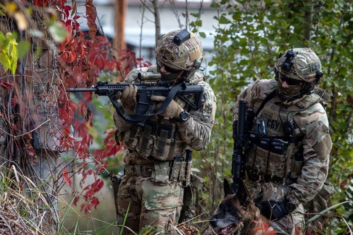 Спецназ СБУ с Израилем провели операцию в Киеве с бронетехникой, стрельбой и вертолетом