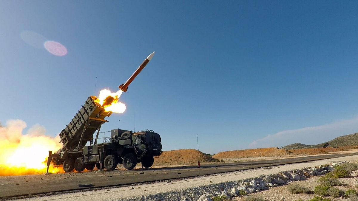 """США выводят 8 батарей Patriot с Ближнего Востока и """"перенацеливают"""" их на Россию и Китай"""