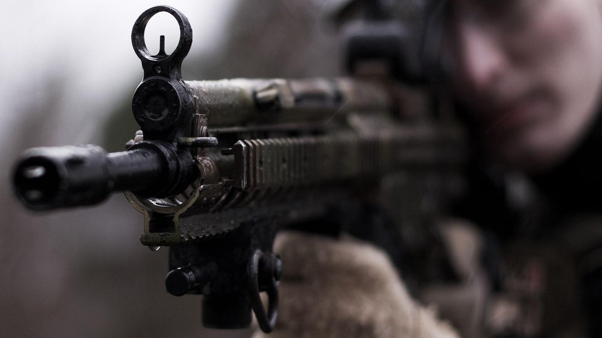 Попытка бегства не удалась: в Красном Луче российского сержанта подстрелили во время попытки сбежать с гаупвахты