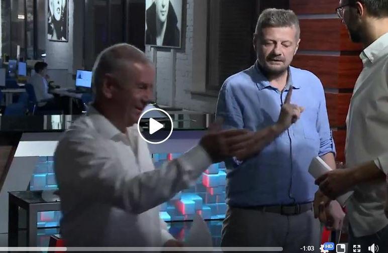 Безобразная драка на NewsOne: появились кадры, как Мосийчук жестко избил Лещенко тростью