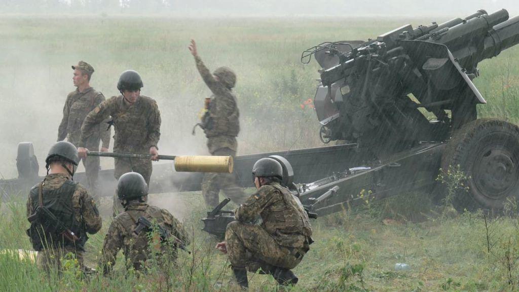 Артиллерия, катера и десантные войска: опубликованы кадры учений ВСУ в море и на суше