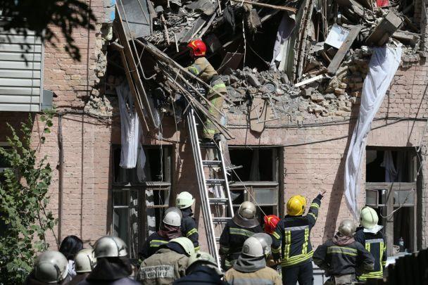 Пострадавших от взрыва жилого дома в столице обеспечат временным жильем