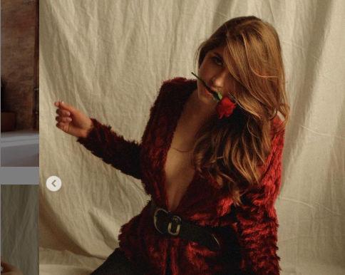 """Украинская модель из """"ню фотосессии"""" в Турции вернулась на родину и сделала заявление"""