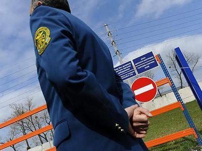 Порошенко заявил о возможности введения особого режима в зонах около АТО