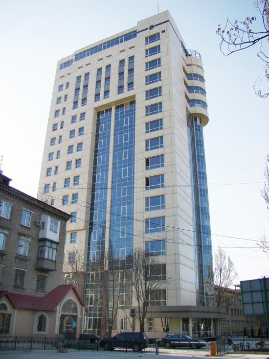 МВД: на крыше бизнес-центра в Донецке установили зенитную установку