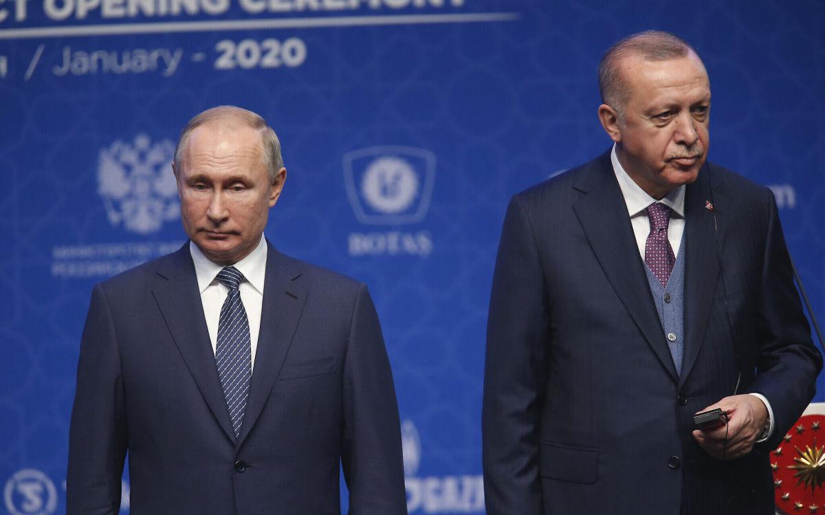 """""""Начинается схватка"""", - Эрдоган вводит войска в Сирию перед встречей с Путиным, а РФ просит США о """"помощи"""""""
