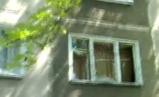 Последствия обстрела Партизанского проспекта в Донецке: выбитые стекла и испуганные дончане