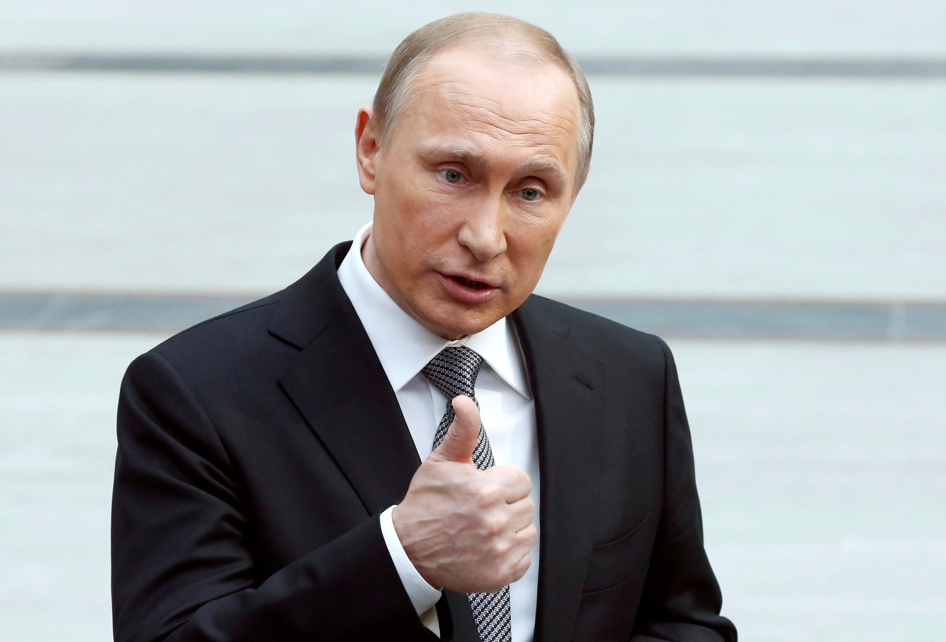 """The Wall Street Journal: в обнищавших """"ДНР"""" и """"ЛНР"""", которые контролирует Кремль, нарастает недовольство - в ответ Путин наращивает агрессию"""