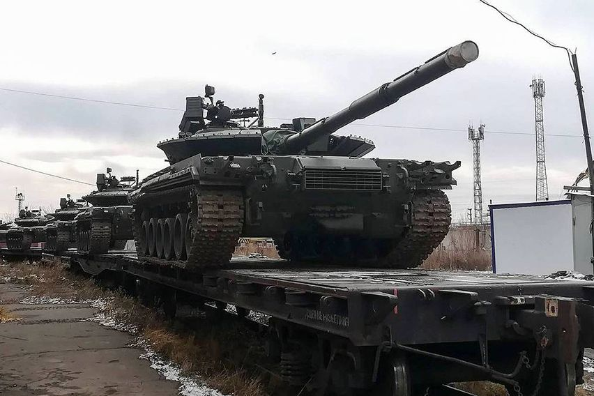 """В Reuters назвали причину переброски танков РФ к Украине: """"Война готовится не так"""""""